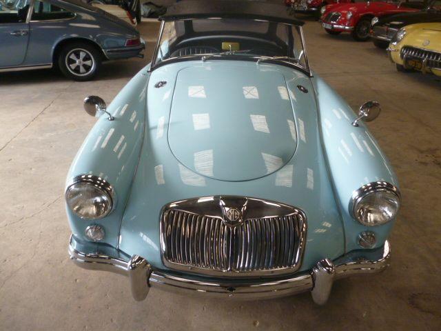 MG A 1957 Bleue