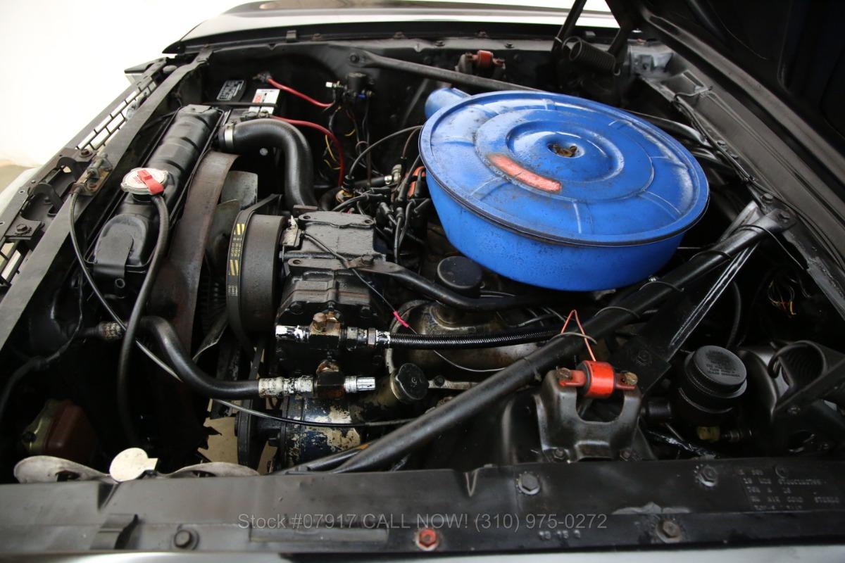 FORD MUSTANG cabriolet V 8    ref 305